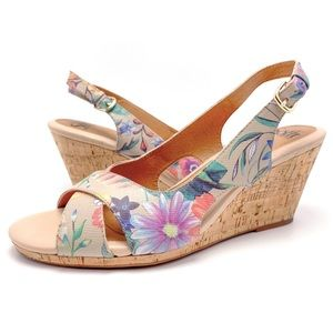 Sofft Cailean 10M Leather Floral Wedge Sandals